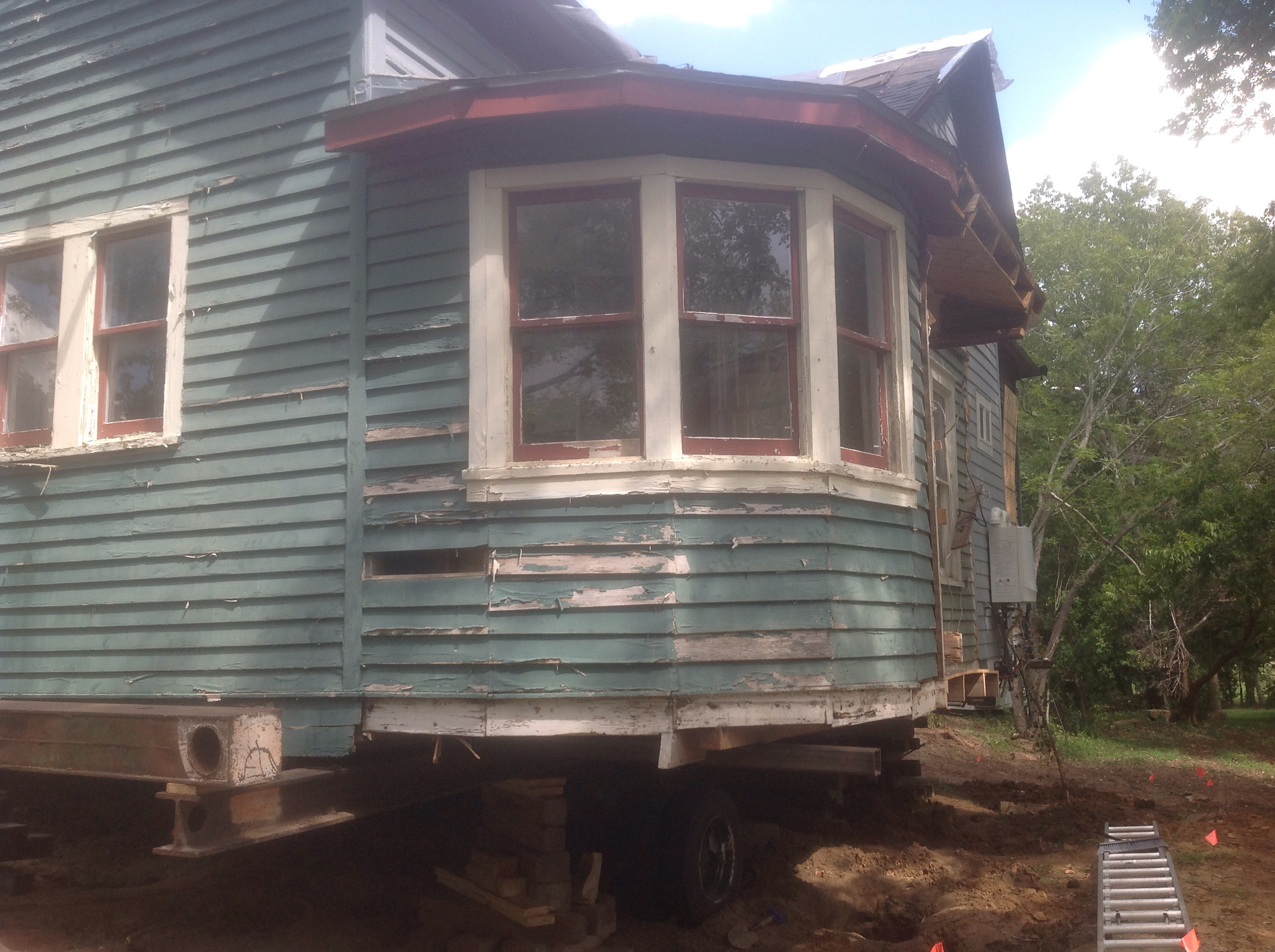 Moving a 100 year old house